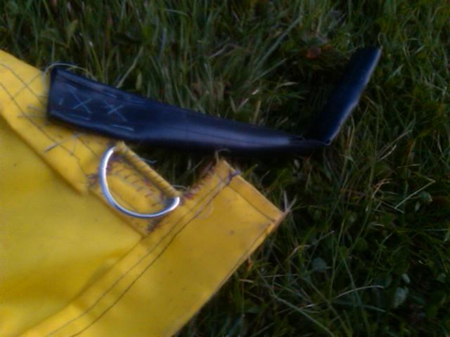 corner showing innertube strap and D ring