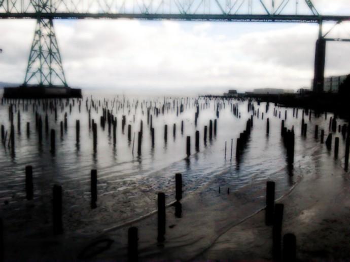 Astoria-pier-stumps 2011-08-30 wallpaper image